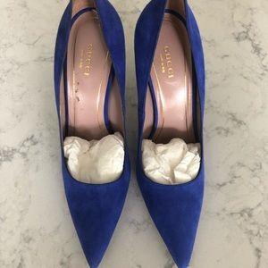 Blue Gucci suede pumps